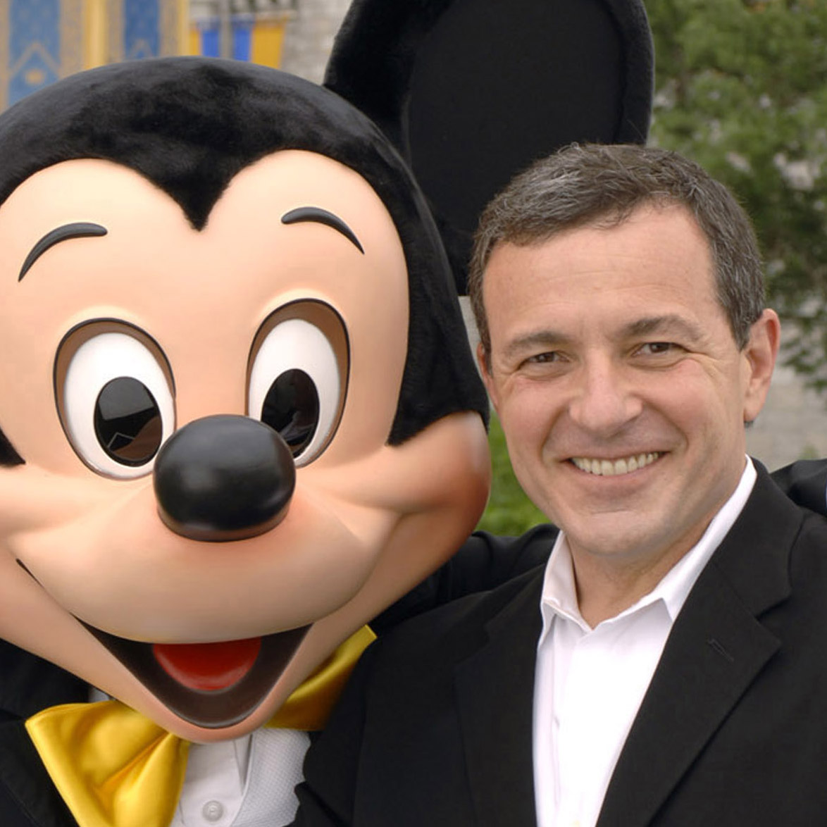 bob iger rocks disney jan 19 The producers guild of america has tapped walt disney chairman and ceo bob iger as the recipient of its 2014 milestone award the award will be presented to iger at the 25th annual producers guild awards ceremony jan 19 at the beverly hilton hotel.