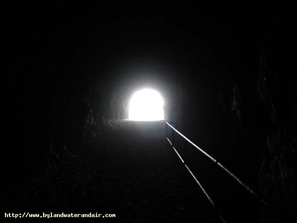 dark were the tunnels essay History of the cu chi tunnels (saigon the cu chi tunnels in vietnam war the tunnels were so good that even american camouflaged mounted one above the.