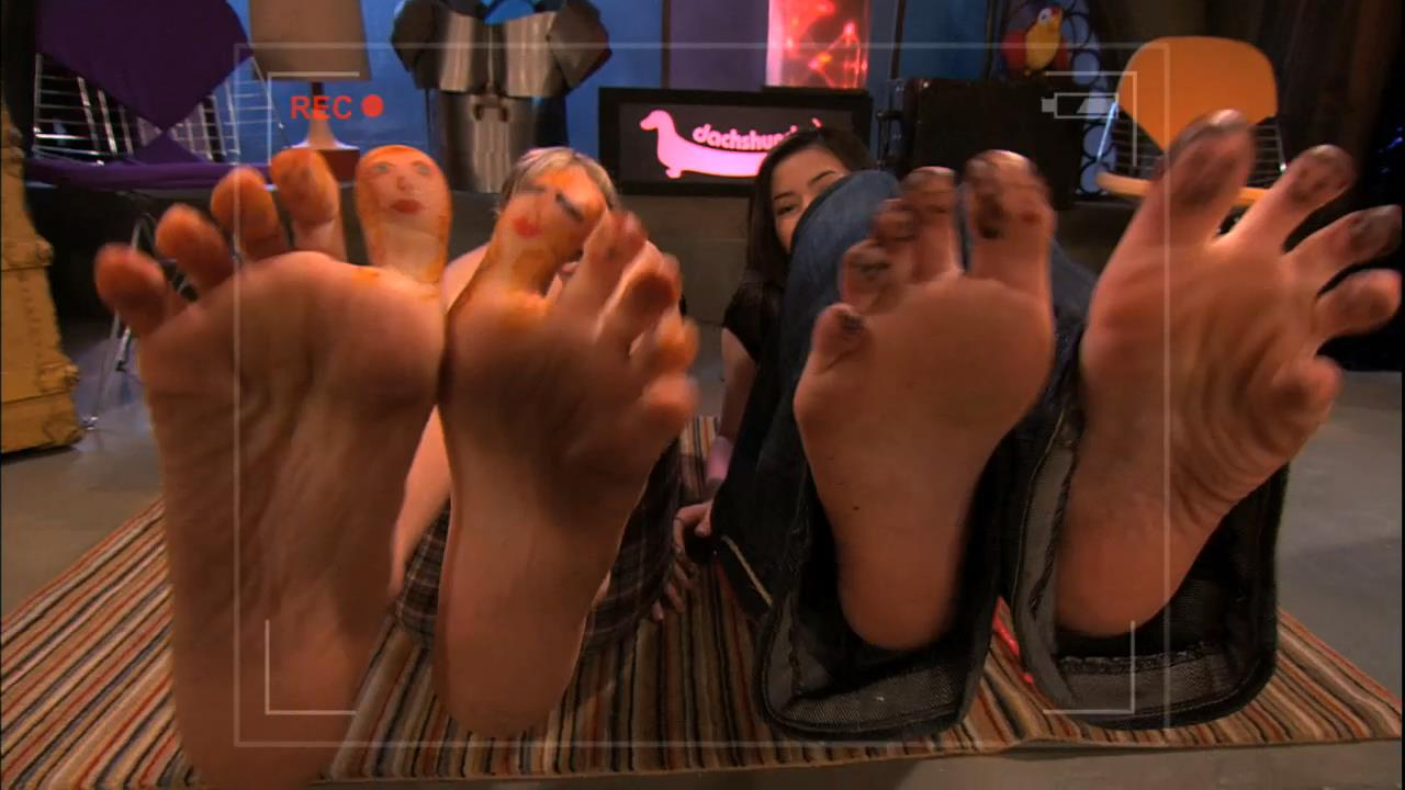 icarly-foot-porn-gifs